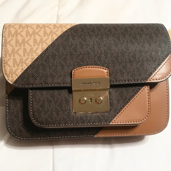 Michael Kors Handbags - Michael Kors Brown Crossbody